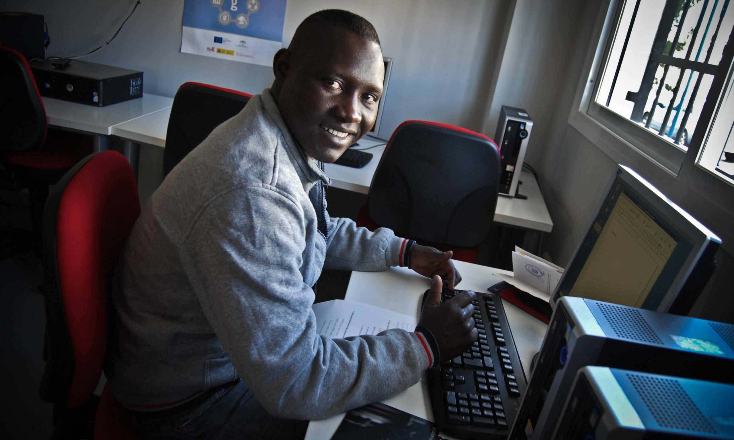 Nuevo taller de alfabetización informática en Torre del Mar