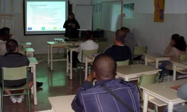 Málaga Acoge desarrolla dos talleres en la prisión de Alhaurín