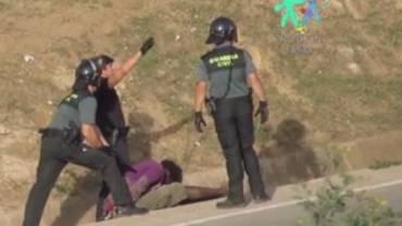 Indignadas por la concesión de la medalla al mérito a ocho guardias civiles implicados en las devoluciones en caliente