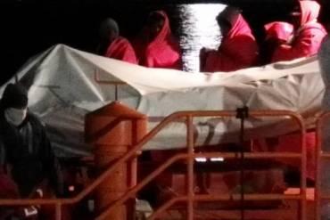 El Gobierno reconoce que el Puerto carece de instalaciones «necesarias» para atender a las personas migrantes