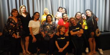 Nuestras mujeres de Antequera brillaron en la obra «Juguemos al teatro»