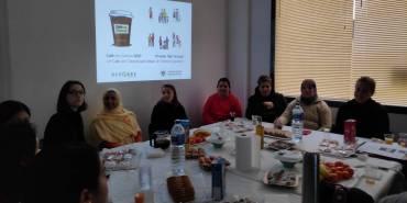 Género y feminismo en un «Café con Ciencia» para mujeres en Antequera