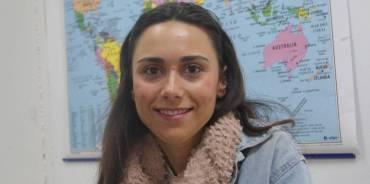 Lucía, voluntaria en Fuengirola: «Estoy enganchada a Málaga Acoge»