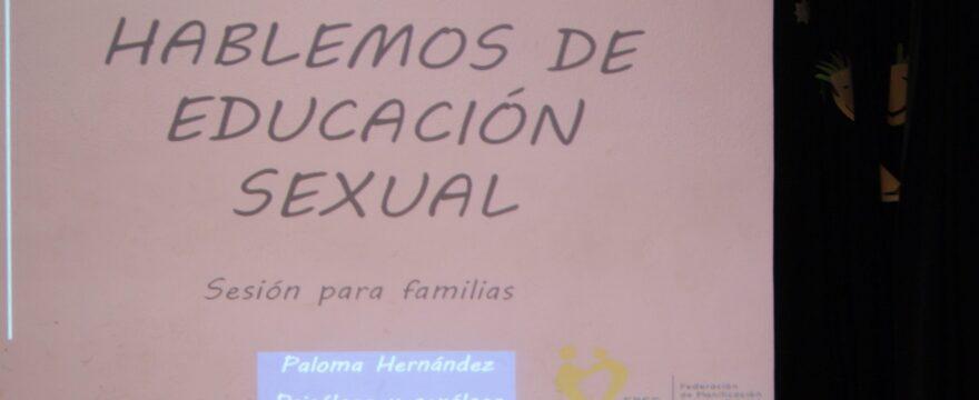 Un taller de educación sexual para familias